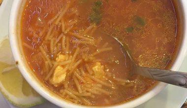Tavuk Sulu Şehriye Çorbası Tarifi