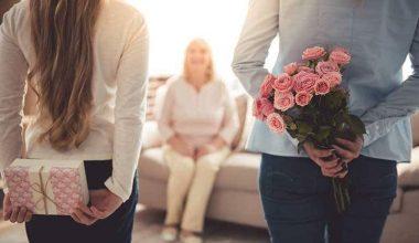 Anneler Günü Mesajları Ve Hediye Tavsiyeleri