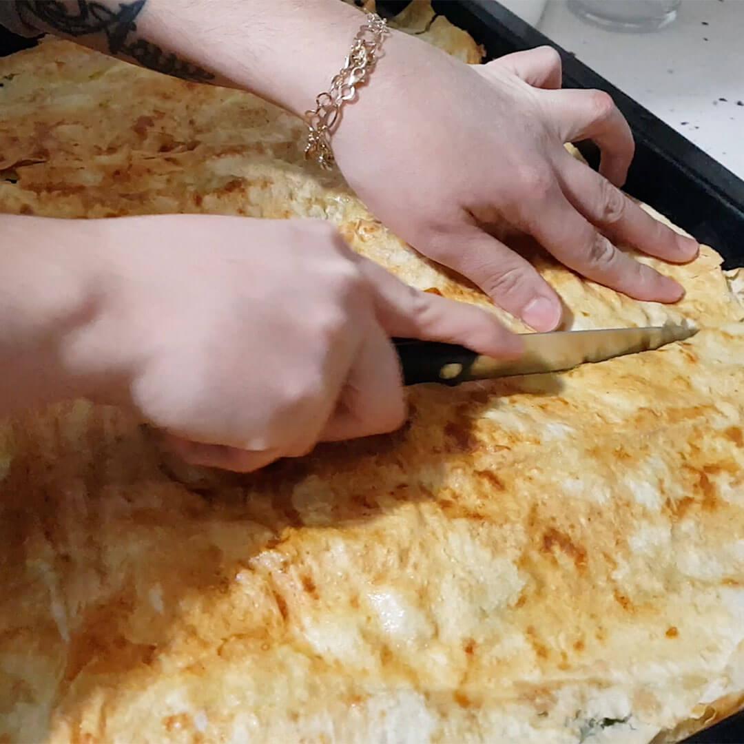 Ispanaklı Tepsi Böreği Nasıl Yapılır