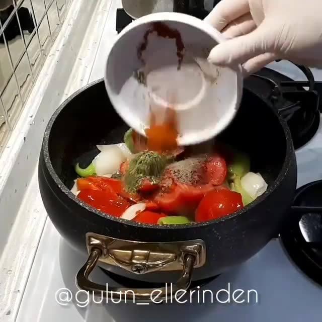 Sebzeli Erişte Çorbası Nasıl Yapılır