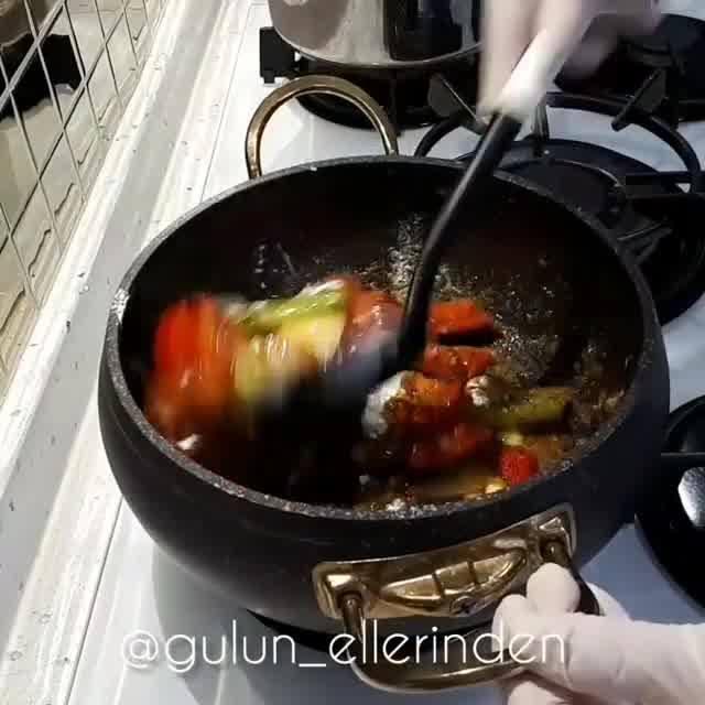 Sebzeli Erişte Çorbası Yapımı